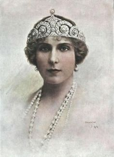 Queen Victoria Eugenia of Spain wearing pearls....Cartier Diamond and Pearl Tiara