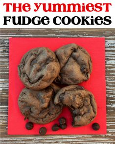 Easy Cake Mix Cookies!  I know you're going to love these dark chocolate fudge cookies!  The rich and decadent chocolate flavors are simply irresistible. Cake Batter Cookies, Cake Mix Cookie Recipes, Delicious Cookie Recipes, Cookie Desserts, Yummy Cookies, Cupcake Cookies, Dessert Recipes, Easy Recipes, Popular Recipes