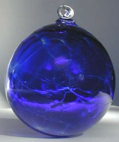 This would be gorgeous in the sunlight (So pretty on A Christmas tree!)