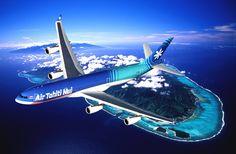 Air Tahiti Nui survolant l'île de Moorea Polynésie Française