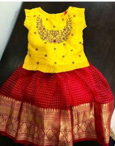Girls ethnic wear Source by kbanala Blouses Girls Frock Design, Kids Frocks Design, Baby Frocks Designs, Baby Dress Design, Kids Lehanga Design, Kids Dress Wear, Kids Gown, Kids Wear, Frocks For Girls