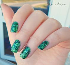 Leave stamping over green palm tree by p2 (Summer Attack, 2013)