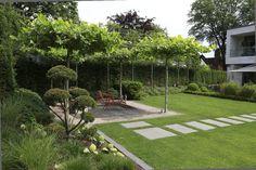 Gardens for aesthetes - Garten Landschaftsgestaltung Modern Garden Design, Backyard Garden Design, Vegetable Garden Design, Terrace Garden, Landscape Design, Vegetable Gardening, Sun Garden, Gardening Books, Garden Plants