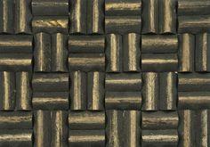 Limas mango grand pyramid espresso. De Limas espresso wood panels van Nature@home zijn duurzaam, decoratief, stijlvol en gemakkelijk te installeren. Deze Aziatische, bijna grafische, wanddecoratie verbetert tevens de akoestiek in elk interieur.