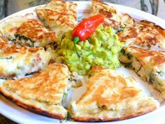 Molten Cheese Beef Or Chicken Quesadillas Low Carb Chicken Recipes, Mexican Food Recipes, Beef Recipes, Healthy Recipes, Mexican Dishes, Recipes Dinner, Mexican Meals, Fast Recipes, Paleo Dinner