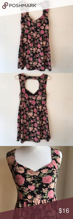 """Forever 21   Floral Cutout Dress This dress goes well with a leather or denim jacket and booties. Gently used condition. Has belt loops (second to last pic). Measurements lying flat; 14"""" pit to pit, relaxed waist 13"""", stretched waist 16"""", 30"""" length. Forever 21 Dresses Mini"""
