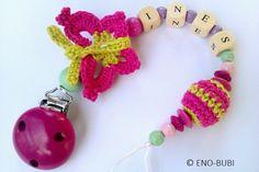 Schnullerkette mit Schmetterling gehäkelt pink