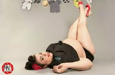 New photography poses plus size pin up Ideas Plus Size Photography, Boudoir Photography Poses, Boudoir Poses, Clothing Photography, Maternity Pin Up, Cute Maternity Outfits, Maternity Poses, Maternity Pictures, Plus Size Pregnancy