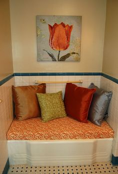 Ain't She Crafty: unused bathtub + clever friend = total cushy awesomeness!Wish I could do something like this with the giant tub I never use in my Townhome. Bathroom Bench, Bathroom Storage, Bathroom Ideas, Bathtub Ideas, Bathtub Bench, Diy Bathtub, Bathroom Stuff, Bathroom Designs, Bathroom Inspiration