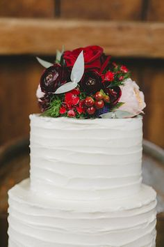 Winter wedding cake topper | Sweet Events Photography | see more on: http://burnettsboards.com/2015/01/lavish-rustic-midwinter-wedding/