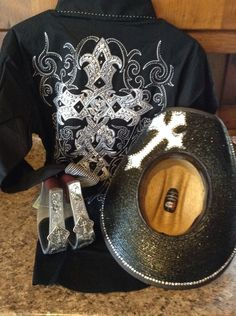 https://www.facebook.com/pages/Custom-Cowgirl-Creations/1507120859561846 Hat Shirt stirrup combo