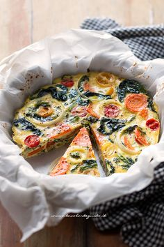 Ideas Brunch Quiche Vegetarian For 2019 No Salt Recipes, Raw Food Recipes, Italian Recipes, Healthy Recipes, Breakfast And Brunch, Breakfast Recipes, Amouse Bouche, Omelette Legume, Brunch Appetizers