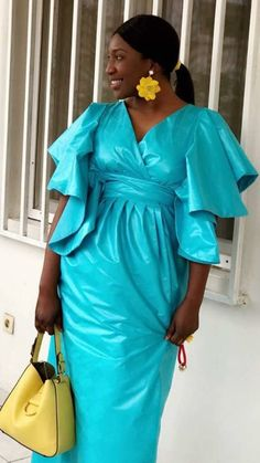 African Wear Dresses, Latest African Fashion Dresses, African Attire, African Print Clothing, African Print Fashion, Senegalese Styles, Casual Dresses Plus Size, African Traditional Dresses, Ankara Dress