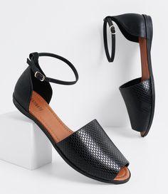 Sandália feminina Material: sintético Marca: Satinato Avarca COLEÇÃO INVERNO 2016 Veja outras opções de sandálias femininas. Sobre a marca Satinato A Satinato possui uma coleção de sapatos, bolsas e acessórios cheios de tendências de moda. 90% dos seus produtos são em couro. A principal característica dos Sapatos Santinato são o conforto, moda e qualidade! Com diferentes opções e estilos de sapatos, bolsas e acessórios. A Satinato também oferece...
