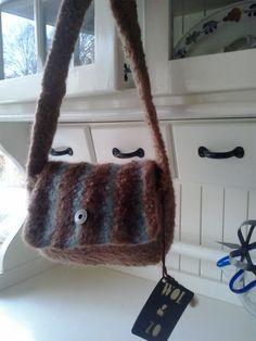 kleine handtas van WOL&ZO 100%handgemaakt van Alpacawol