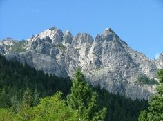 Castle Crags State Park, south of Dunsmuir, CA