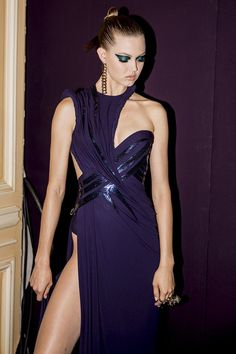 ATELIER VERSACE Fall 2014 Haute Couture Look #15 backstage featuring LINDSEY WIXSON photographed by KEVIN TACHMAN