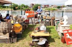 8 Must-Visit Flea Markets In Rhode Island Where You'll Find Awesome Stuff