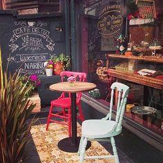 Excelente lugar para comerte un postre y disfrutar de un buen café, con un gran estilo antiguo. Holidays Around The World, Around The Worlds, Peru, Places To Travel, Places To Go, Colombia Travel, South America Travel, Machu Picchu, Uruguay