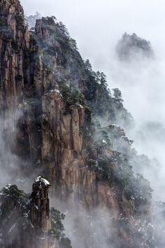 Huangshan #2 by Chaluntorn Preeyasombat, via 500px