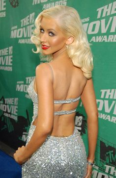 From Cornrows to Afros: The Hair Transformation of Christina Aguilera Top Celebrities, Celebs, Christina Aguilera Stripped, Christina Aguilera Hair, Mtv, Beautiful Christina, Actrices Sexy, Divas, Hair Transformation