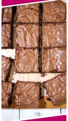 Easy Baking Recipes, Simple Recipes, Baking Tips, Yummy Treats, Sweet Treats, Sugar Rose, Baking Party, Classic Cake, Cake Makers