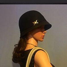 Cloche Hat ✨Excellent Like New✨Cloche style hat With simple silver clasp detail. Made of felt, making it a sturdy hat with rich look and feel. Thank You for your Interest!! ❌NO Trades❌ Price FIRM, Use the Bundle Discount: 4️⃣Items=20%OFF!! Accessories Hats