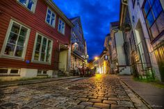 After work – Friday! Bergen, New Zealand, Norway, Beautiful Places, Have Fun, Friday, Architecture, City, Inspirational