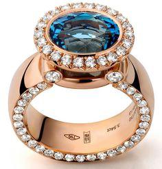 @jochenleen. Engraved Diamondsetting, collection grade diamonds & inside detail engravement . . . #handmadeinbelgium #diamondsonthesides
