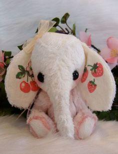 Minature elephant lucy