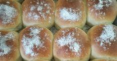 Perunalla on ihana taipumus tehdä sämpylöistä superpehmoisia. Taikinan voi ja kananmuna antaa myös hieman briossimaisen vivahteen säm... Hamburger, Bread, Hamburgers, Breads, Baking, Buns