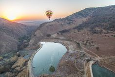 The beautiful Kloofzicht Lodge & Spa captured by one of our hotel guests.  #sunrise #beautiful #hotairballoon  #theperfectshot