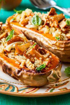 Gefüllter Moschus-Kürbis mit Quinoa und Pfifferlingen