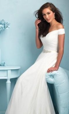 Allure Bridals 9211 20: buy this dress for a fraction of the salon price on PreOwnedWeddingDresses.com