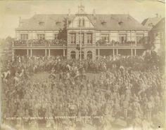 Britse vlag word in Johannesburg gehys.1900.