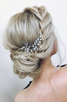 Pin… Simple Wedding Hairstyles Half Up! Pin… Simple Wedding Hairstyles Half Up! Romantic Wedding Hair, Wedding Hair And Makeup, Wedding Updo, Prom Updo, Elegant Wedding, Prom Buns, Wedding Unique, Wedding Vows, Party Wedding