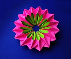 Easy and rich paper flower. DIY. Awesome ornament. Bright piece for room...