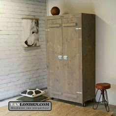 Kast van steigerhout op wielen ... www.vanlonden.com Armoire, Tall Cabinet Storage, Furniture, Home Decor, Clothes Stand, Decoration Home, Closet, Room Decor, Reach In Closet