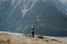 Bealey Spur is one of New Zealand's most beautiful day hikes, located in Arthur's Pass National Park. Be amazed by the incredible views! Day Hike, Beautiful Day, New Zealand, Travel Inspiration, National Parks, Hiking, The Incredibles, Mountains, Landscape