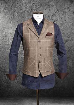 Die schicken, lässigen und stilvollen Herrenwesten von Dornschild sind das Fashion-Statement für den modernen Mann. Das stylische Design besticht durch einzigartige Schnitte, eine Liebe für Details und höchste Qualität.