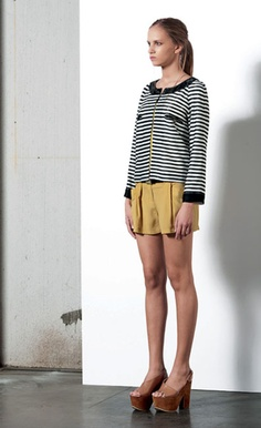 Look 40 . 524 Giacca / Jacket . 412 Short . 215P Scarpa / Shoes