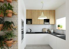 kleine Küche in L-Form in Weiß, Schwarz und Holz