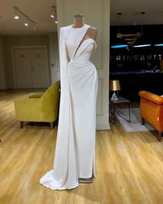 2020 Couture Fashion Off White Prom Dresses Off the Shoulder Long Sleeve Evening Dress with Handmade Flowers Arabic Formal Gowns White And Silver Dress, Silver Gown, Long Sleeve Evening Dresses, Evening Gowns, Couture Dresses, Fashion Dresses, Prom Dresses, Wedding Dresses, Formal Gowns