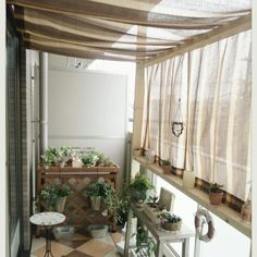 Small Balcony Decor, Small Balcony Design, Tiny Balcony, Porch And Balcony, Balcony Garden, Apartment Balcony Decorating, Apartment Makeover, Apartment Balconies, Interior Decorating