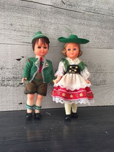 Sweet pair of vintage German dolls... A boy and a girl... Perhaps Hansel and Gretel... Or maybe Hanz and Gretchen. Each stands at around 6