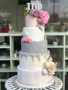 Tort din pasta de zahar cu flori perle argintii topper. Cake marble silver pink flowers. Candy Store, Macarons, Wedding Cakes, Bakery, Instagram Posts, Bead, Wedding Gown Cakes, Macaroons, Cake Wedding