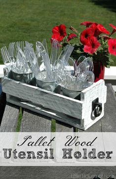Turn rustic pallet wood into the perfect utensil holder! - www.littlehouseoffour.com