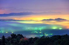 Photographer Bai Heng-yao captures beautiful, surreal-looking clouds rolling over Taiwan