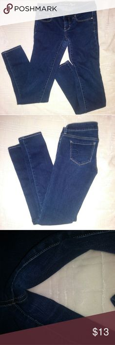 American eagle skinny jeans BOGO EVERYTHING Stretchy In great condition Has some signs of rubbing on the inner thighs nothing major Dark wash  BOGO EVERYTHING   buy one get one free items must be equal or less value   bundle your items and send me an off when your done My items are priced for bundle deals if you feel the price is to high feel free to send me an offer American Eagle Outfitters Jeans Skinny