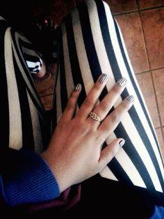 Mani Monday:: Striped black and white nails